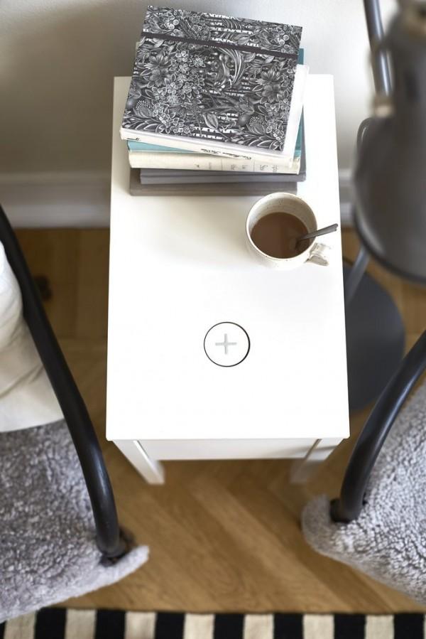 мебель Ikea с беспроводной зарядкой для гаджетов